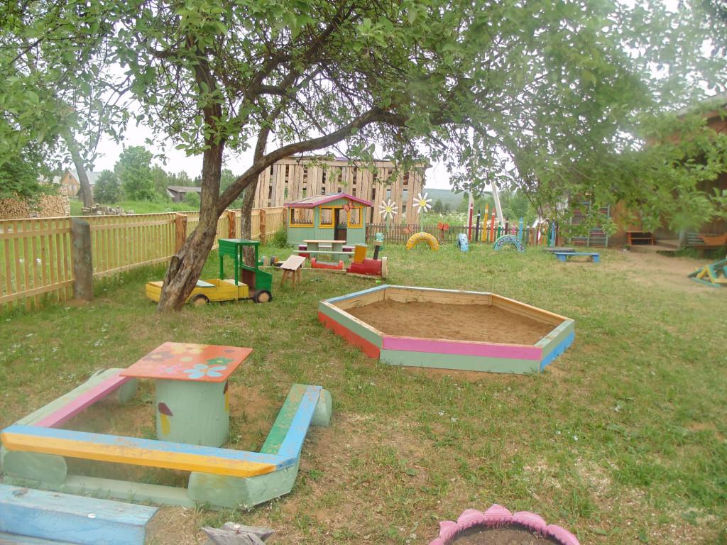 Как своими руками оборудовать детскую площадку в детском саду 658
